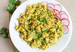 Tuna salad with radishes